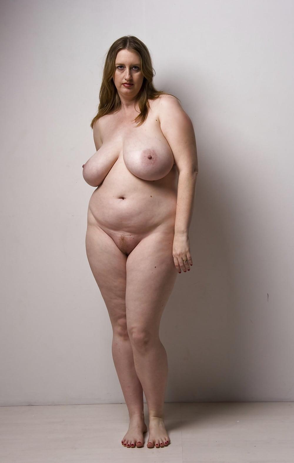 Фото Обнаженных Чуть Полных Женщин
