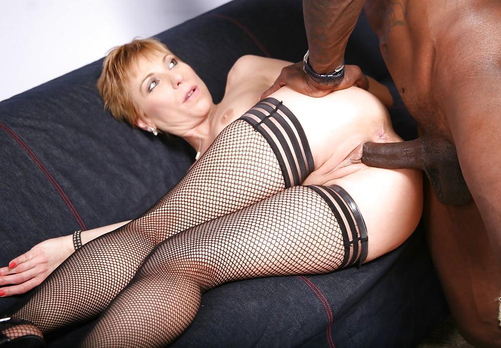 Трахают Большим Членом Зрелых Женщин Порно