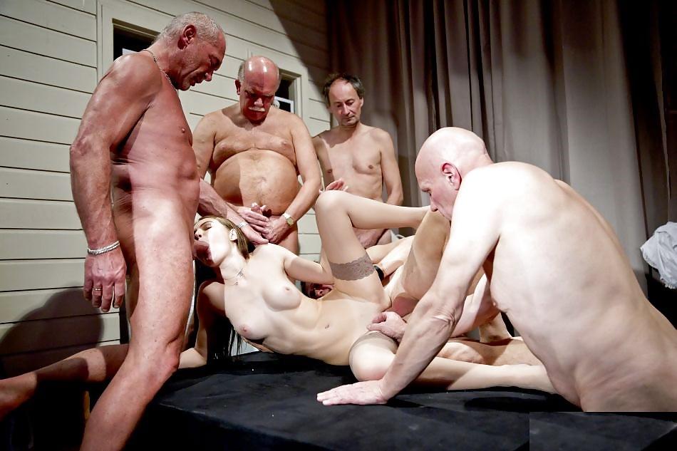 Порно Домашнее Групповое Со Стариками