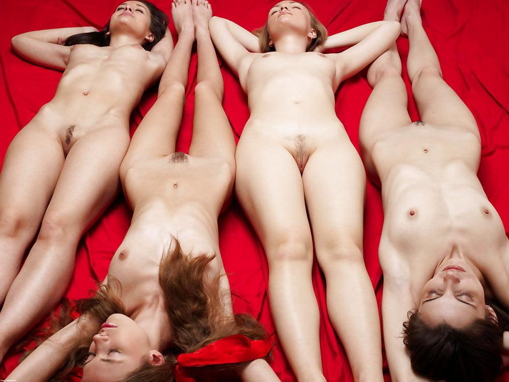 Голые Женщины Без Секса