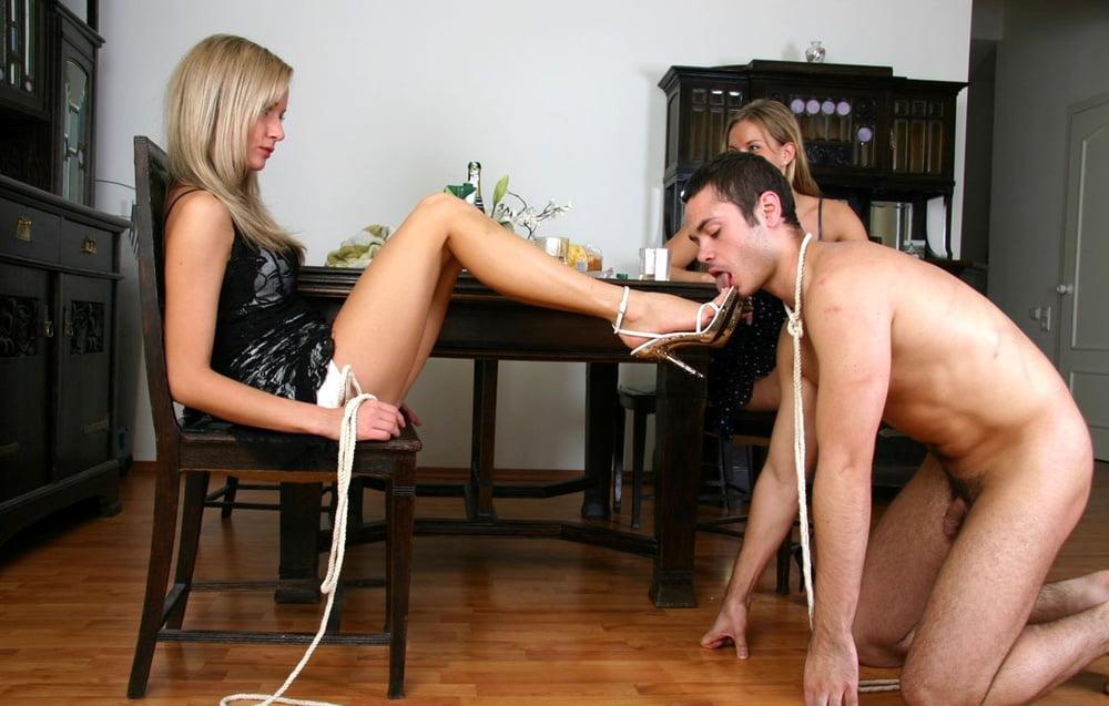 Застукав Свою Прислугу С Мужем, Госпожа Наказывает Ее Бдсм Трахом