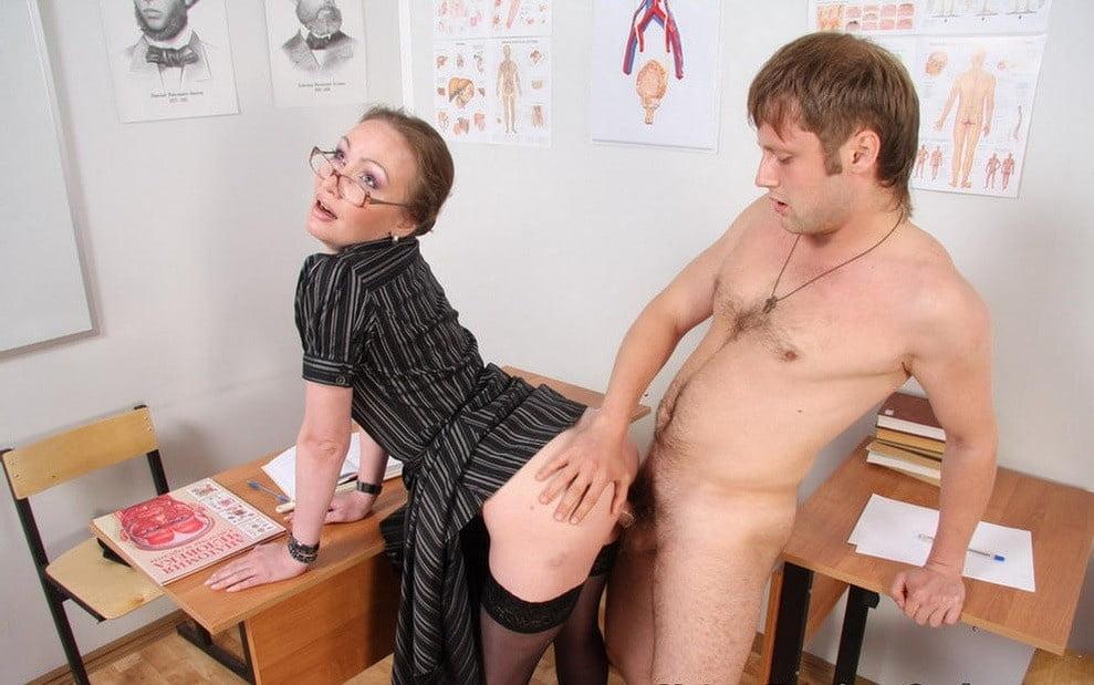 Секс Рассказы Учительница И Ученик