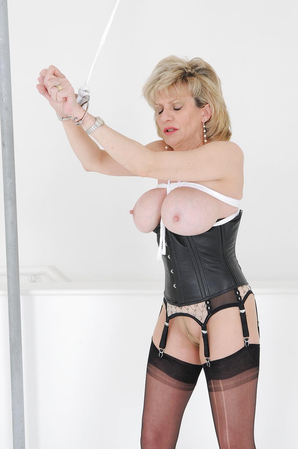 sonia Femdom mistress