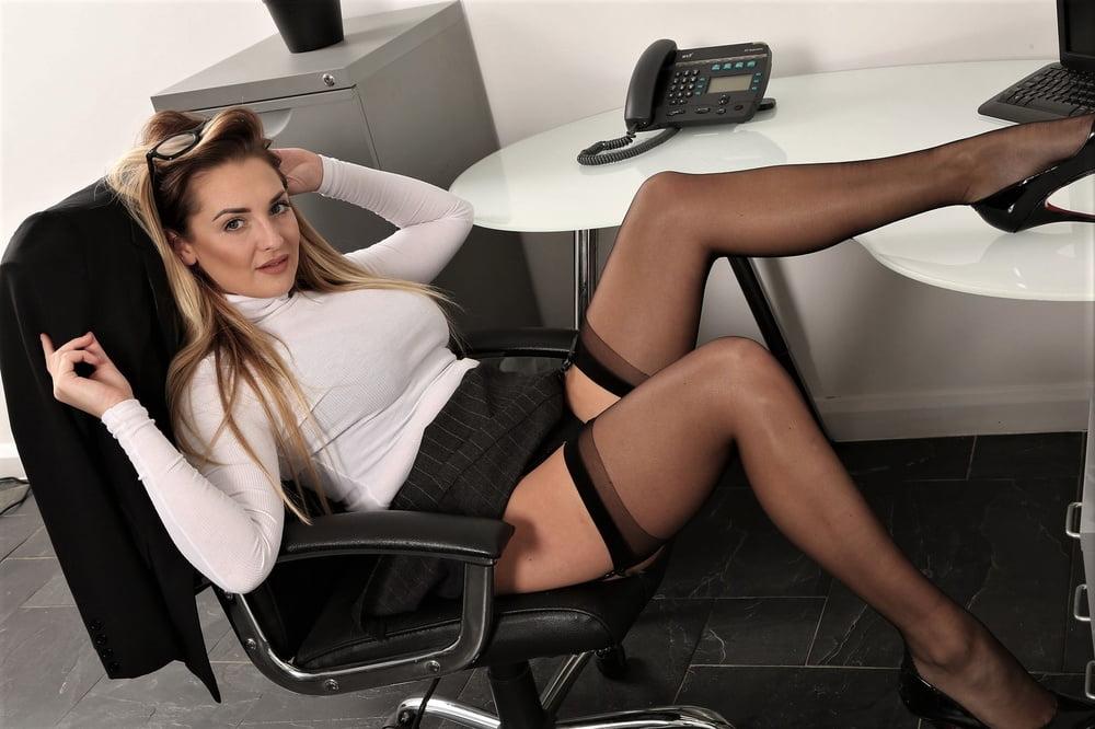 Лесбиянки секретарши порно онлайн стоит