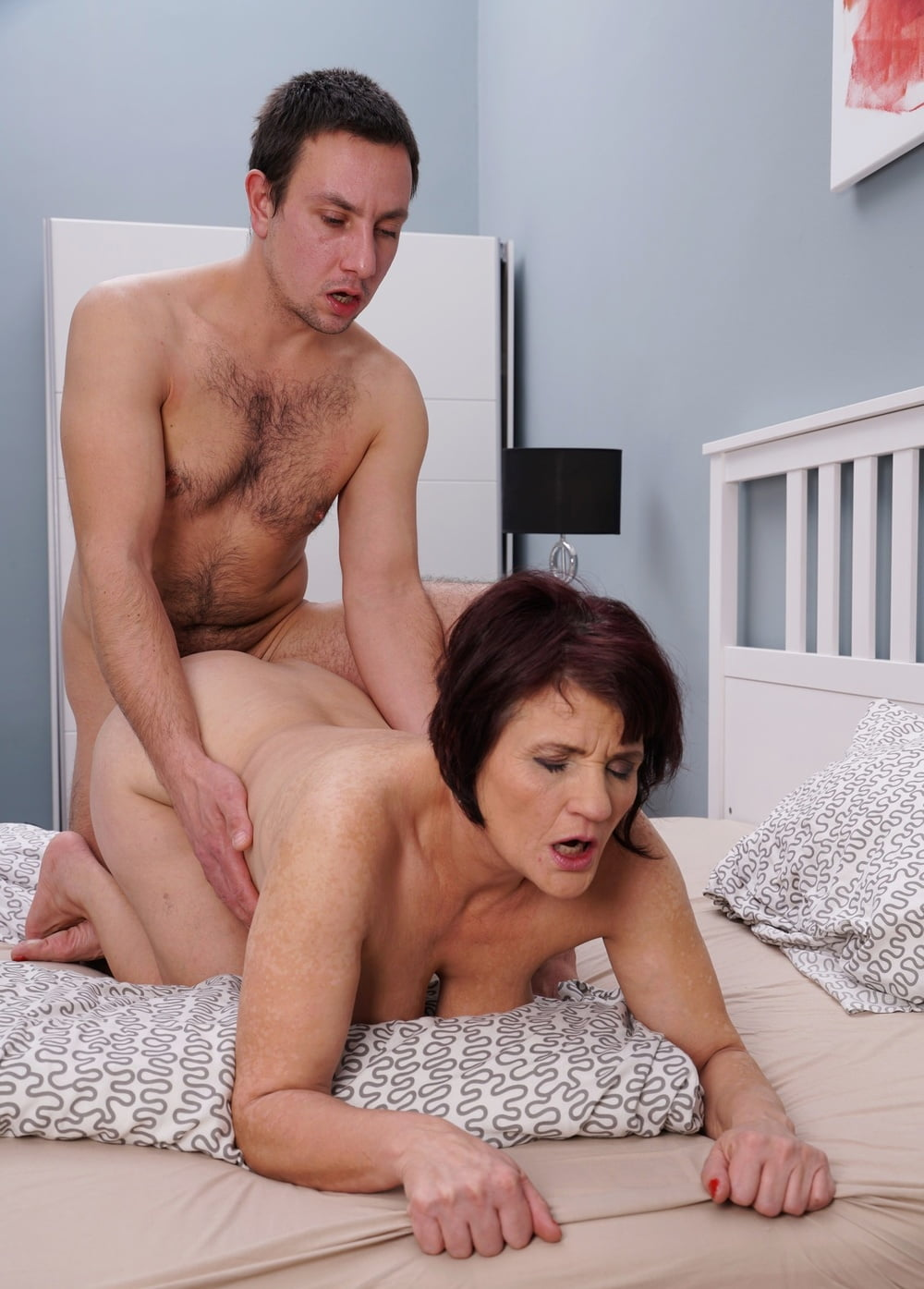 Nudist milf young men porn wiman
