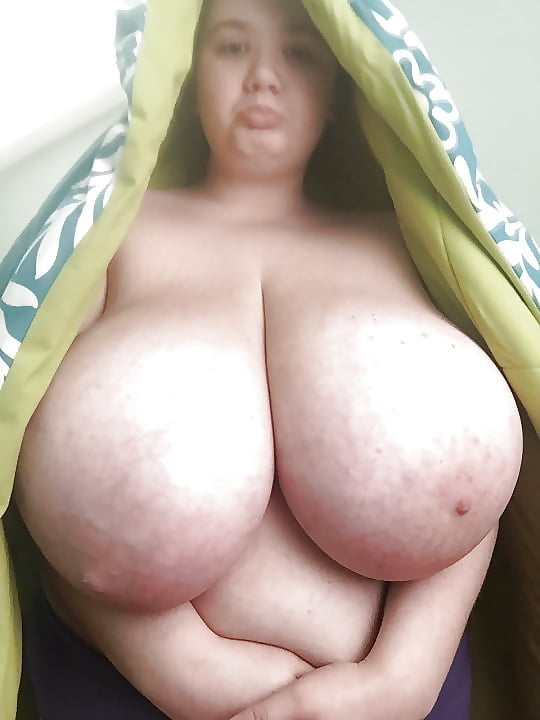 Giant natural tits milf-2078