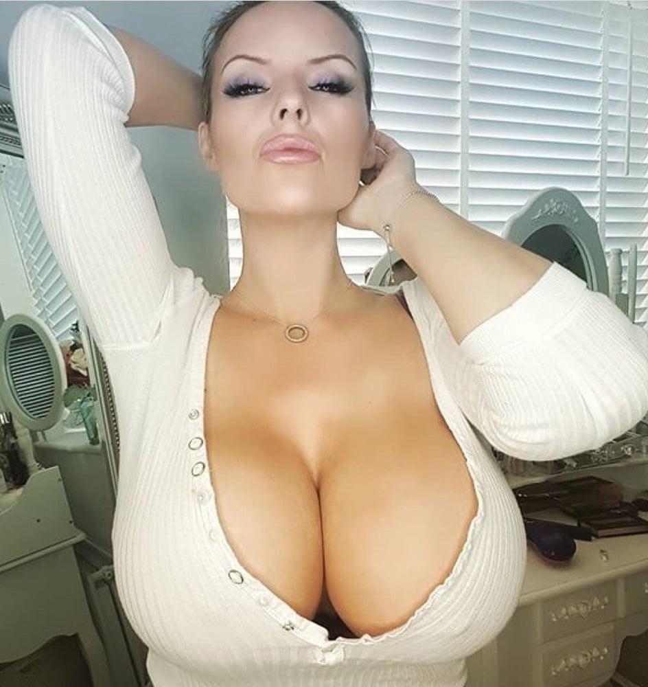 Порно сочные сиськи онлайн член