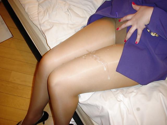акира сперма на коленках фото менее важно