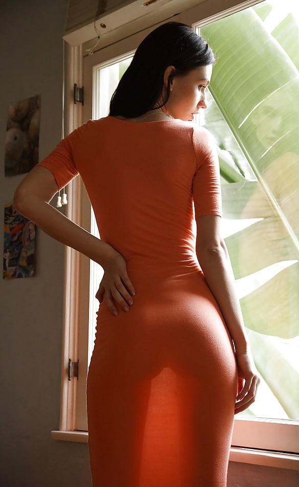 Фигура девушки в платьях в обтяжку порно видео, откровнное аннальное фотогруппавогоаннального проникновения