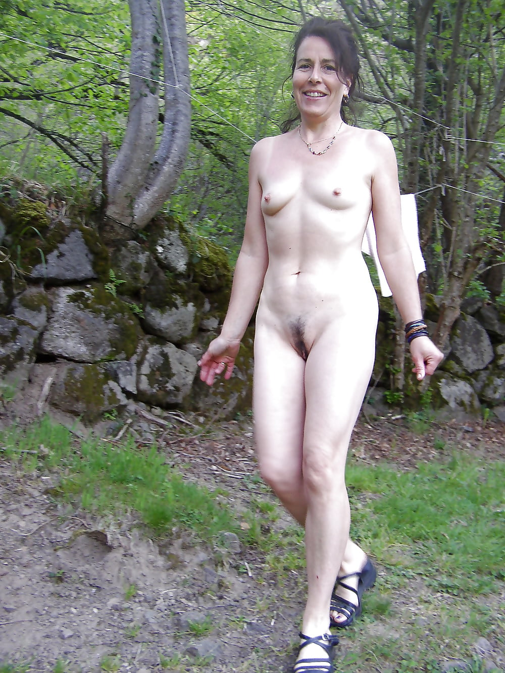 free-images-hot-naked-girls-amatuer-outdoors-tight-young-panties-videos
