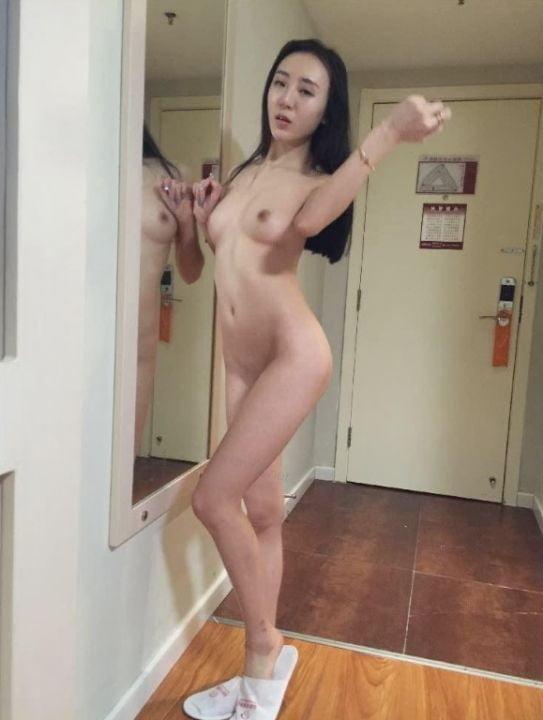 Ying Yue - 10 Pics