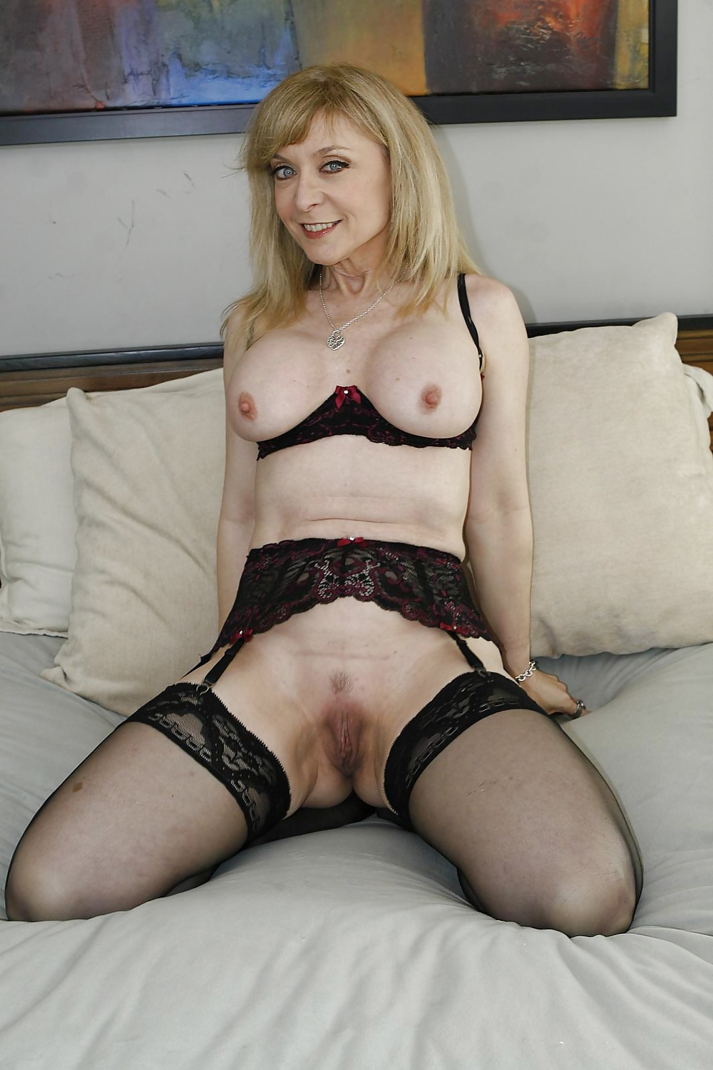 nina-hartley-spread-eagle-photos-latinas