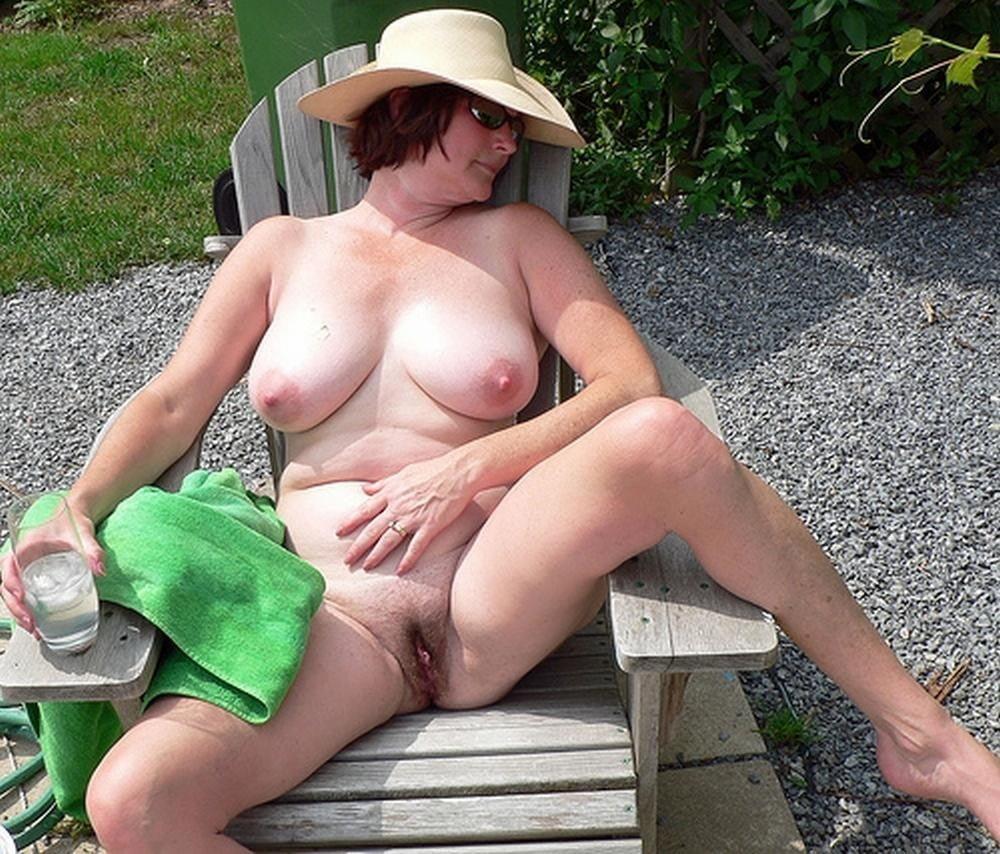 Sexy mature outdoor - 60 Pics