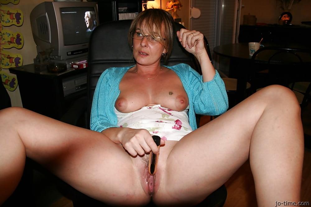 burke-amature-milf-masterbation-pics-girls-with-tits