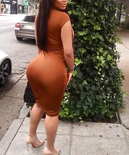 Very big milf ass of esperanze in short tight dress