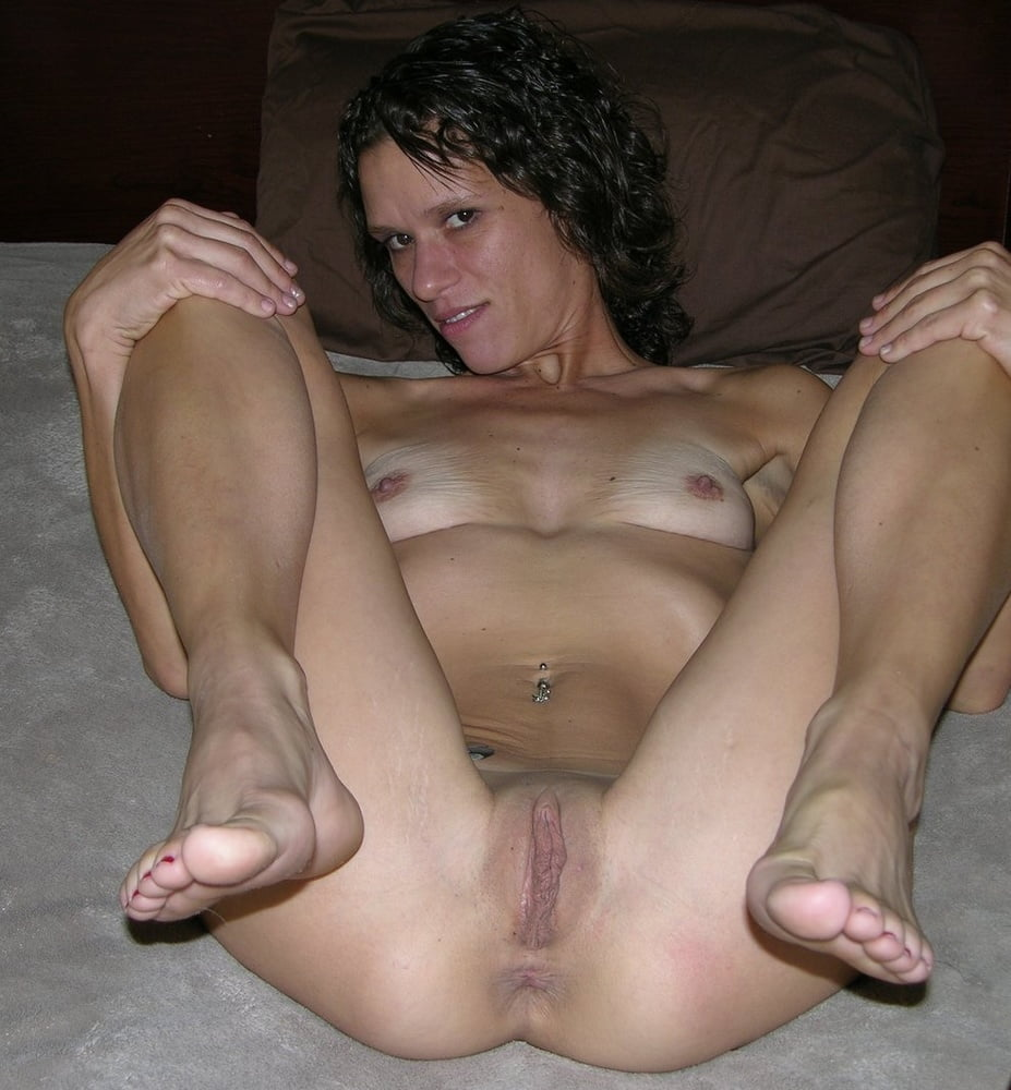 Skinny Amateur Brunette Girlfriend Blowjob Homemade Sex Photos