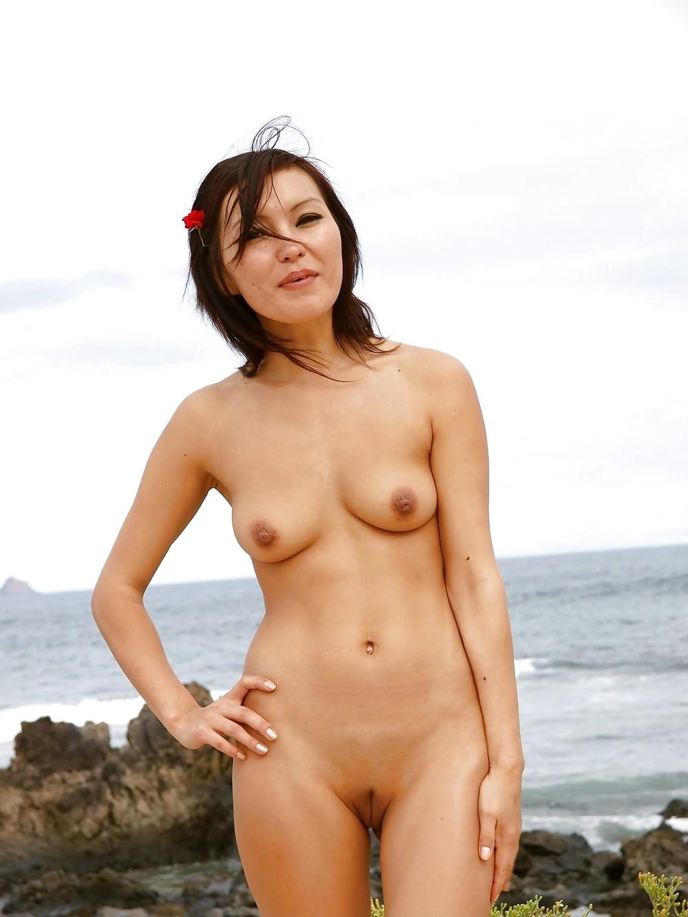 grannie-naked-female-mongolians-ribbon-butt-fucks