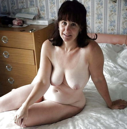 sexy mature horny ladies fuck in black stockings and shoes
