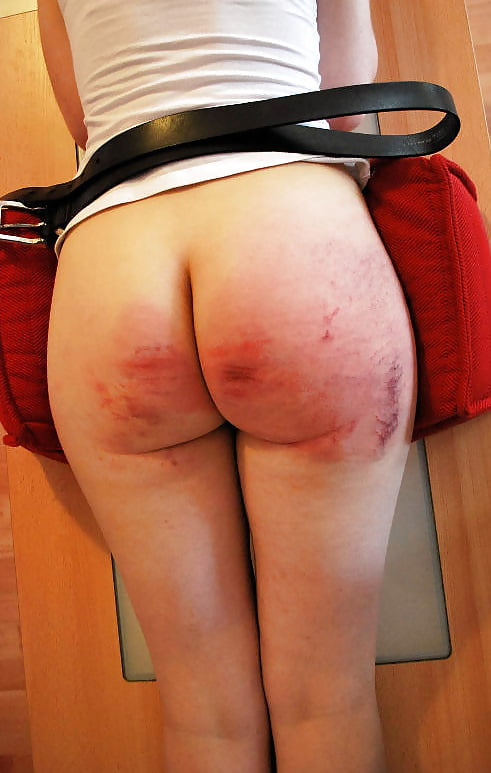 Great butts and tits naked girls spanked — img 4