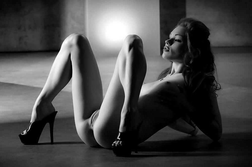 female-erotic-wink-photos-mukherji-nude