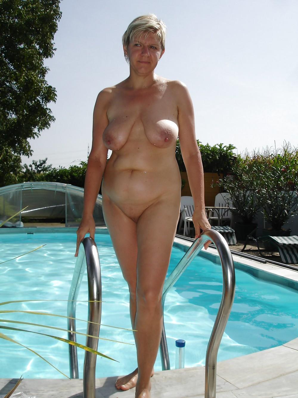Hot Naked Sexy Milfs Pics Gif