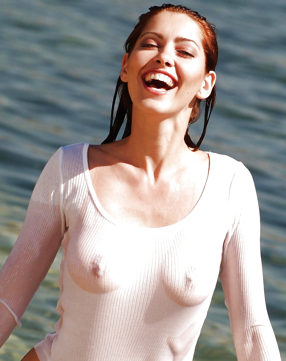 Kate Upton Big Tits See Through In Wet