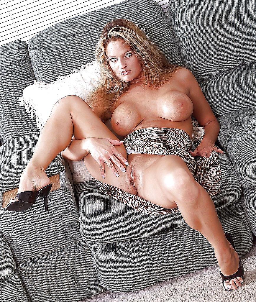женщины возрасте длинноногие секс фото