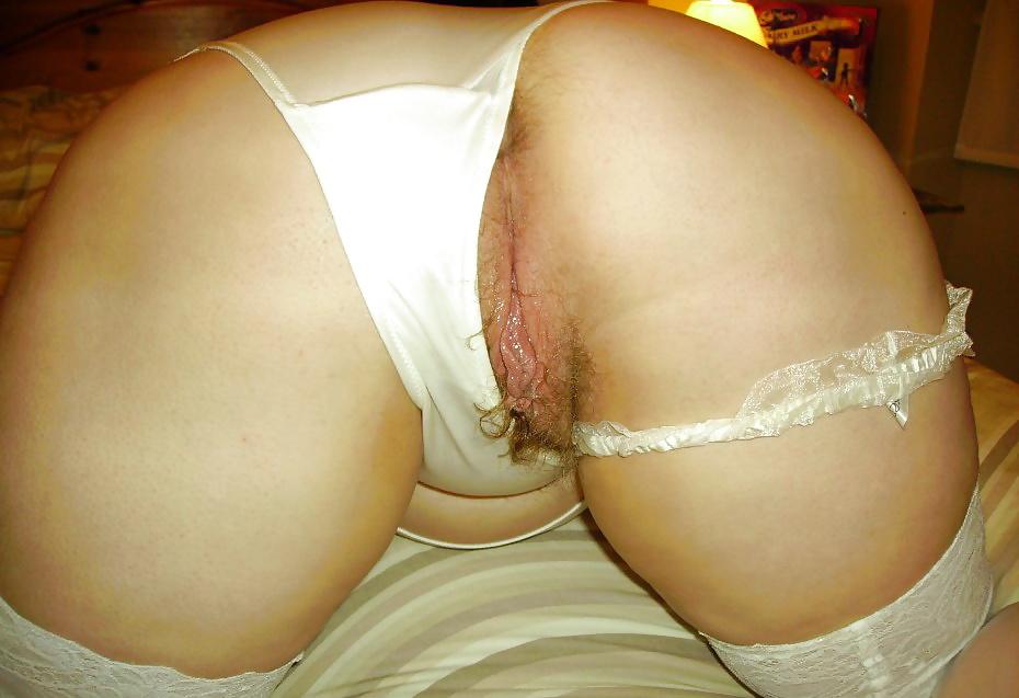 Одеваю трусики жены порно видео женская грудь анал