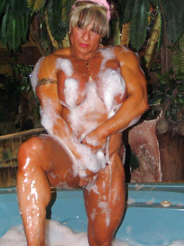 Warm Naked Webcams Female Bodybuilder Images