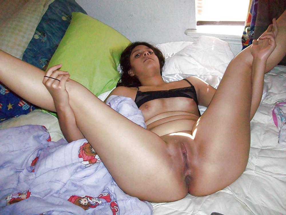 Sexy girls spreading-8157