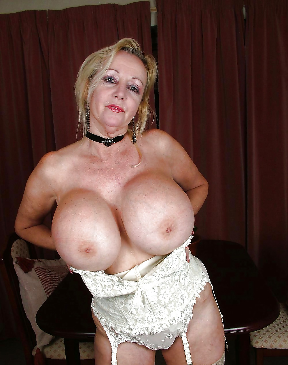 Hot old mom naked with big boobs — photo 9