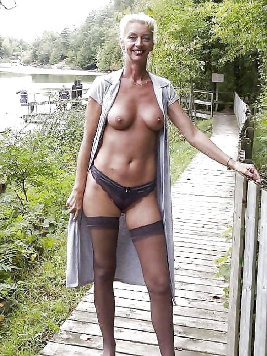 mature amateurs flashing tits