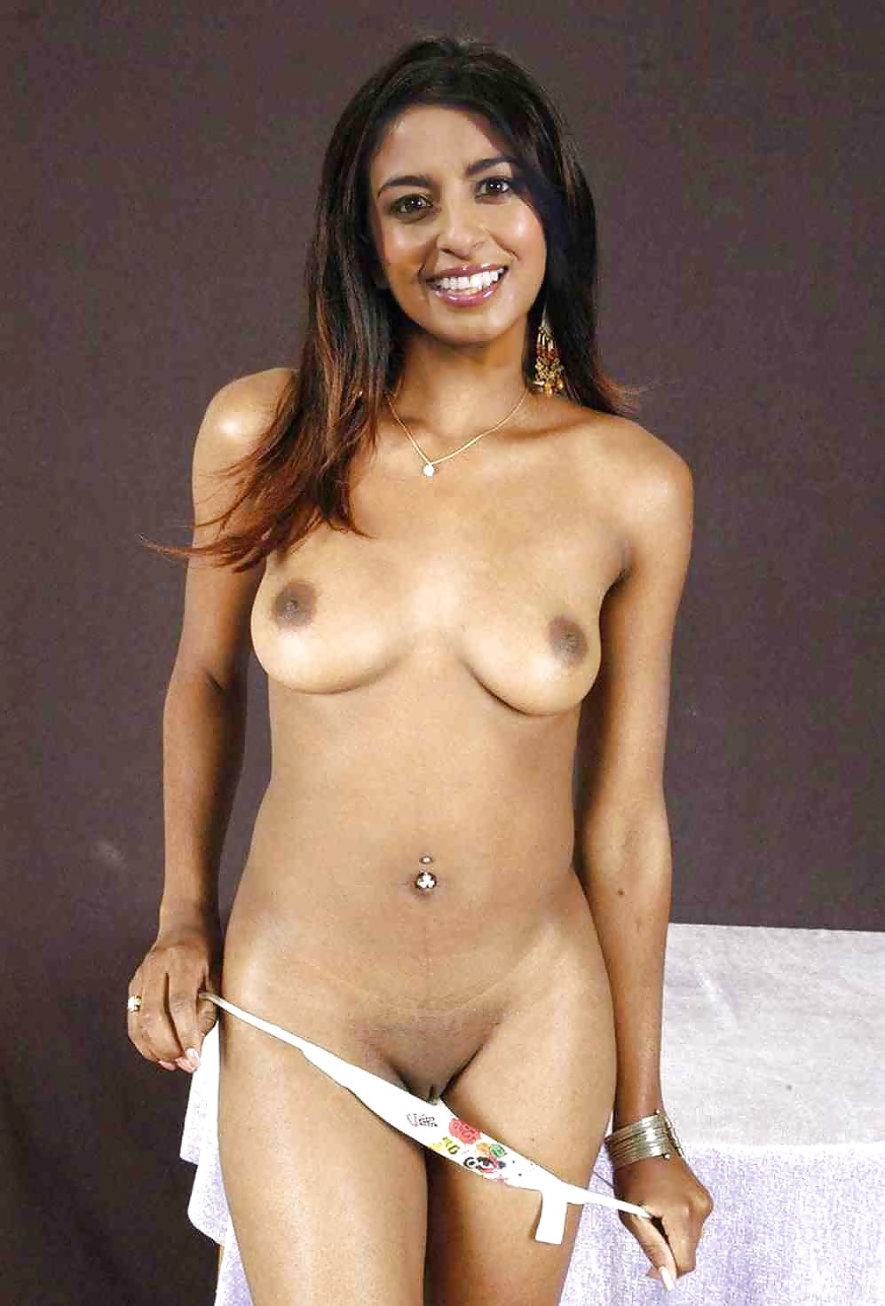 naked-older-konnie-huq-naked-and-rude-little