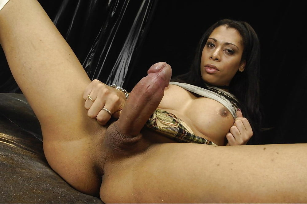 Italian shemale sex — photo 3