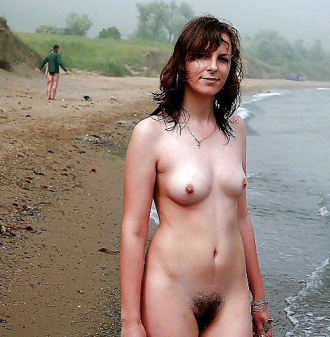 Naked real amateur women
