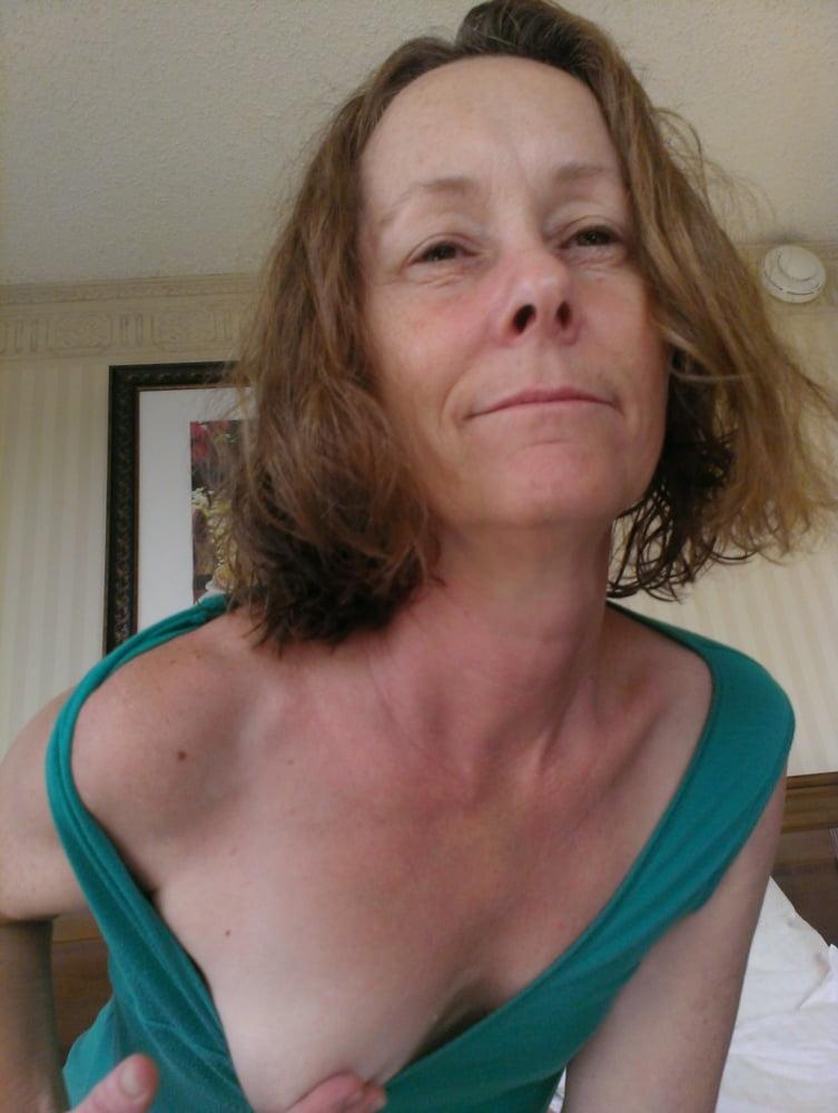 Homemade grannyy amateur girl next door naked