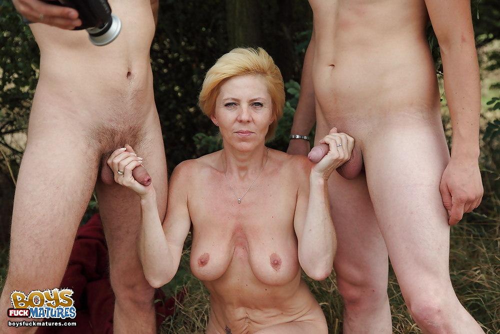 Abuleas nudistas y calientes senora de las cuatro decadas - 2 part 8