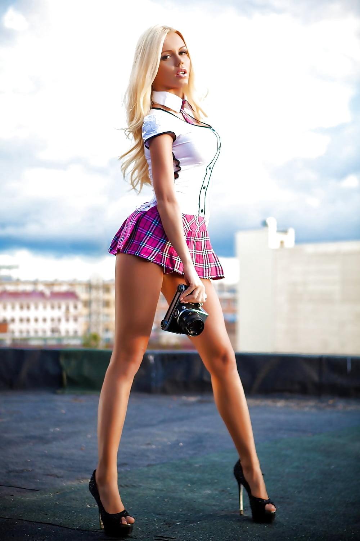 рваные тучи девушки мини юбках длинные ногти трансы жестоко трахают