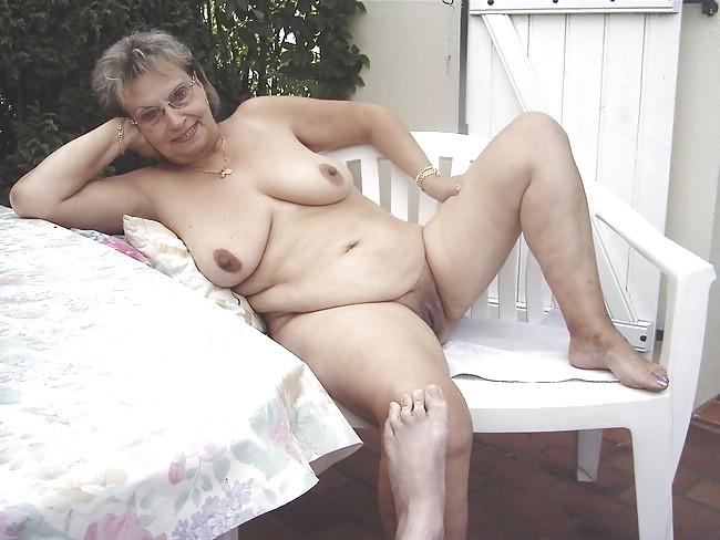Tetas grandes caben chicas grandes culo desnudo