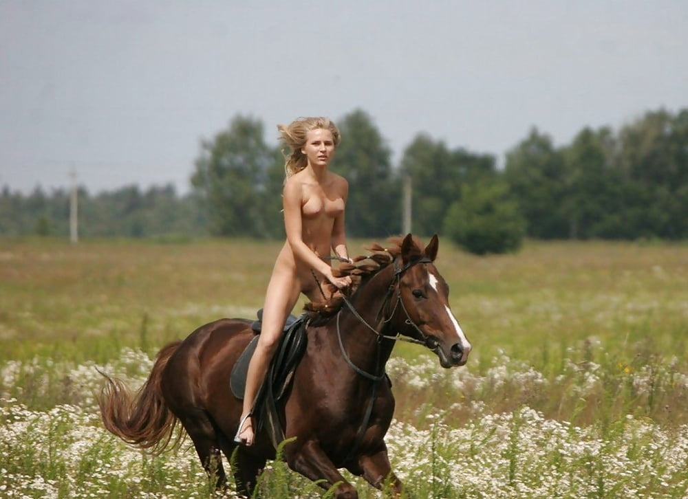 Nude Furious Beauty Riding Hot On Large Rod