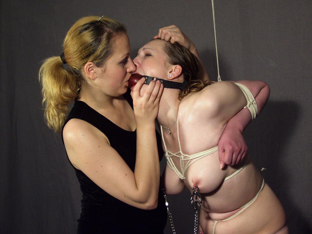 lesbian-beach-bondage-amateur-dubai-nude