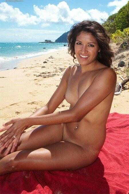 naked-xxx-young-hawaiian-girls