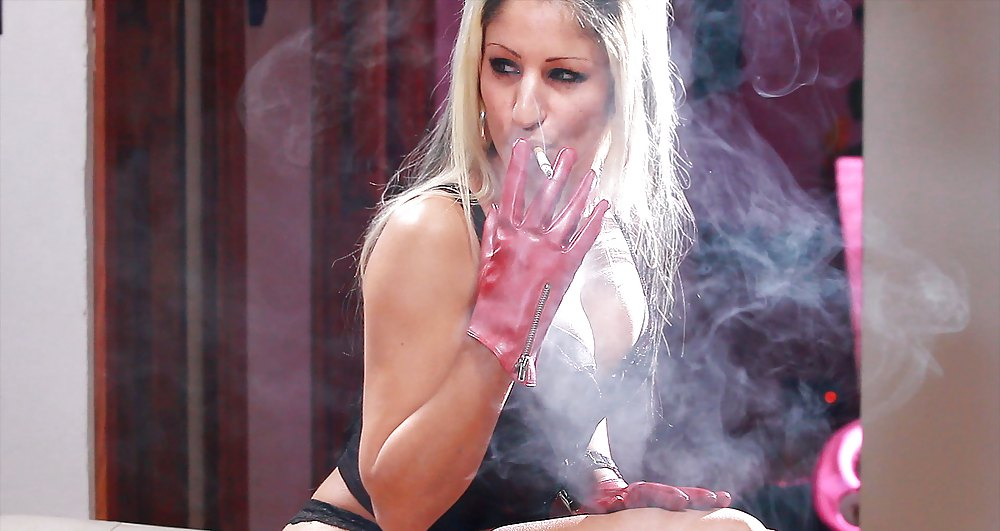 Blond Babe Tall Goddess In Kinky Fetish Smoke Glamour Images