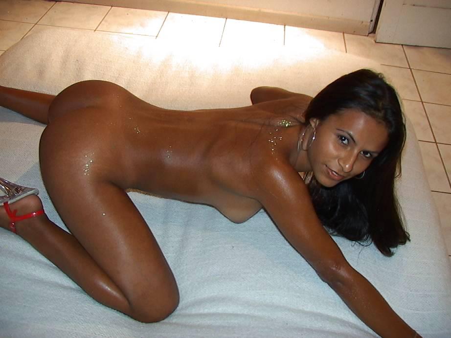 Загорелые знойные женщины порно фото, молоко из груди порно все фото
