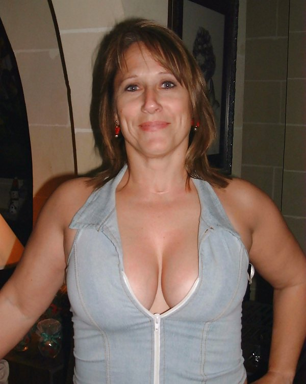 Amateur mature saggy tits pictures, beautiful nude women, free mature porn pics