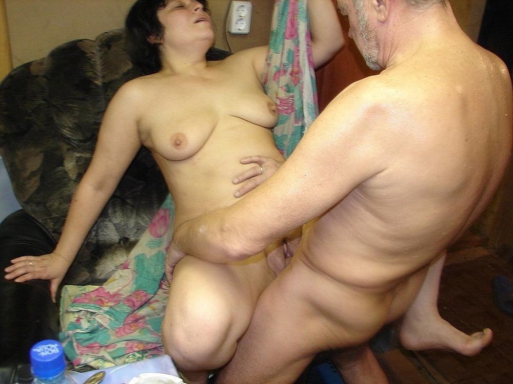 идет фото секса зрелых любительские уединились