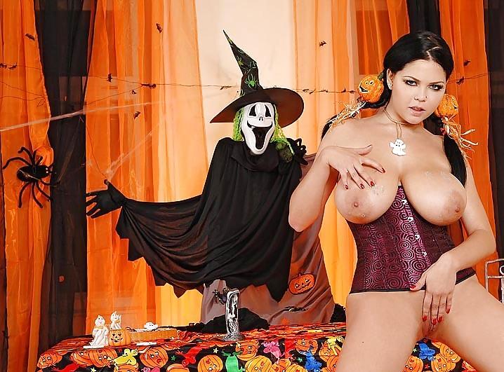 big-tit-halloween-nude-gallery-magazine-big-tit-babes