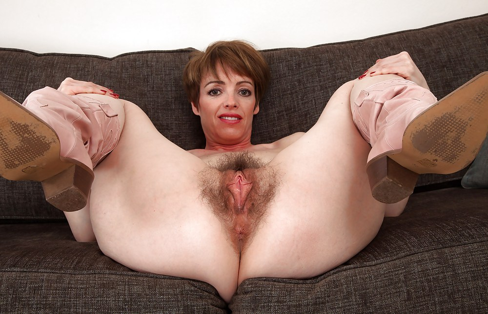 Old Old Pussy And Swinging Amateur Galery