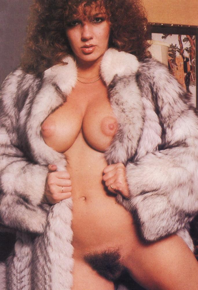 Free fur coat porn pictures — img 11