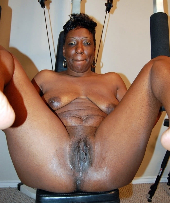 Black and mature pussy